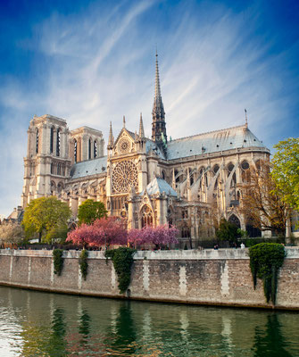 Notre dame de Paris, France - Copyright Production Perig