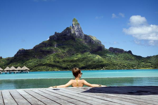 Tahiti Luxury resort copyright  Chrisstina Morgan