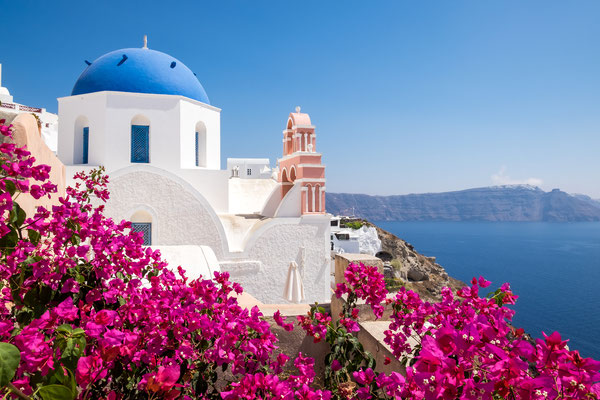 Cycladic house in Santorini - Copyright Martin M303 - Santorini European Best Destinations