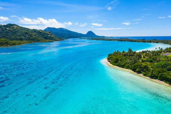 Motu coral reef Lagoon Tahiti copyright Maridav
