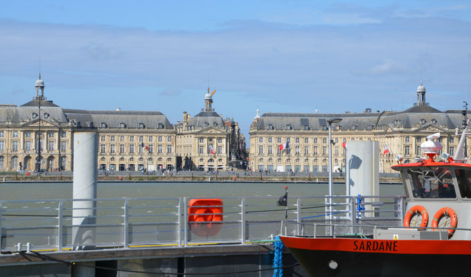 Place-de-la-bourse-Bordeaux © EBD