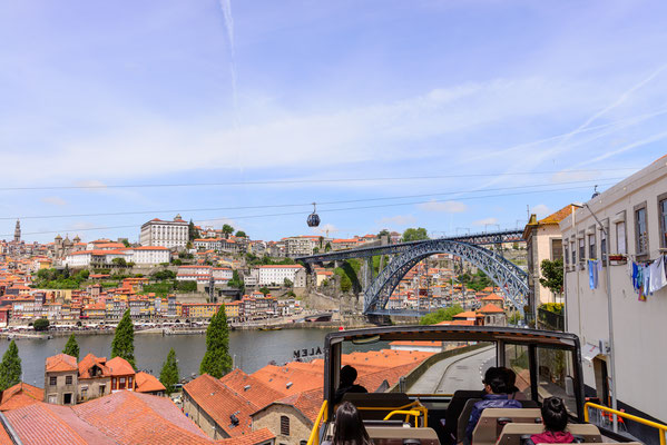 Bus tour sightseeing in Porto, Portugal - Copyright Junior Braz
