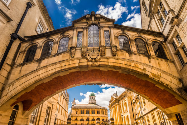 Hertford Bridge, popularly known as the Bridge of Sighs, is a skyway joining two parts of Hertford College over New College Lane in Oxford, England. Its distinctive design makes it a city landmark Copyright Da