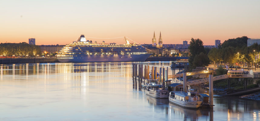 Bordeaux - Port de la Lune - Credit Geoffroy Groult - European Best Destinations