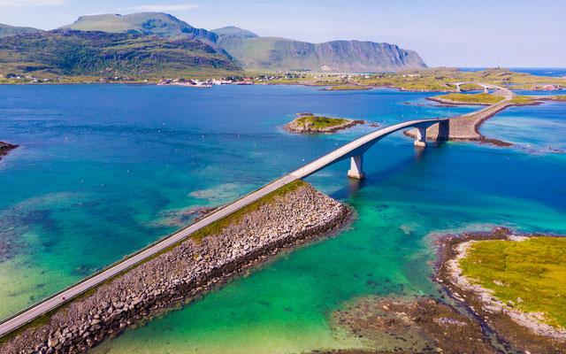 Lofoten Bridge copyright Voyagerix