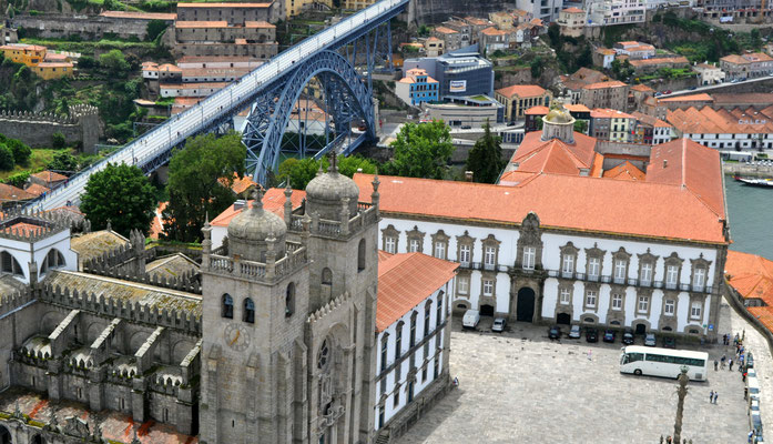 Aerial view of Sé Catedral, Porto, Portugal © European Best Destinations