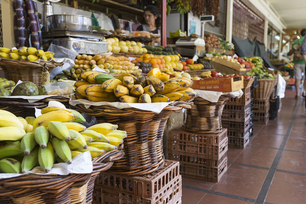 Fresh exotic fruits in Mercado Dos Lavradores. Funchal, Madeira - Copyright Curioso
