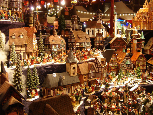 Aachen Christmas Market - Copyright  harry_nl