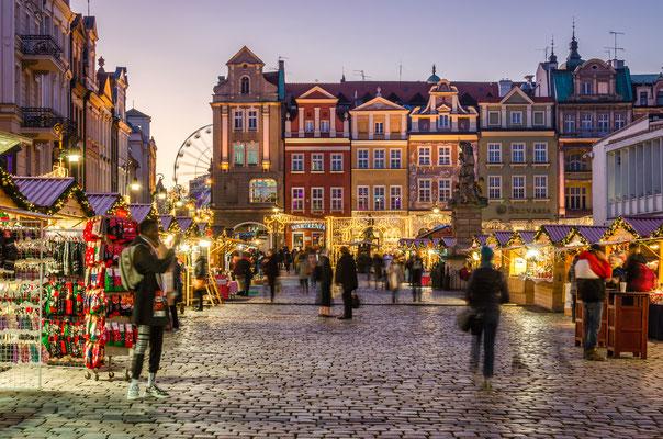 Poznan Christmas market - Copyright Wojciech Wrzesien