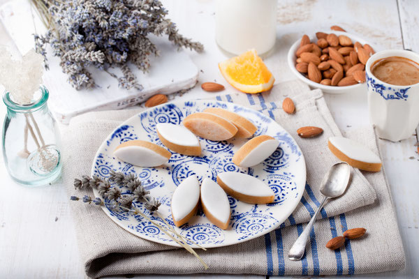 Calissons d'Aix-en-Provence. Traditional French Provence sweets, France - Copyright Anna_Pustynnikova