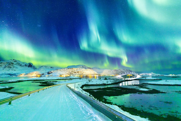 Northern lights Lofoten copyright Feel good studio