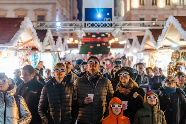 Budapest Christmas Market - Copyright  Advent Feast at the Basilica