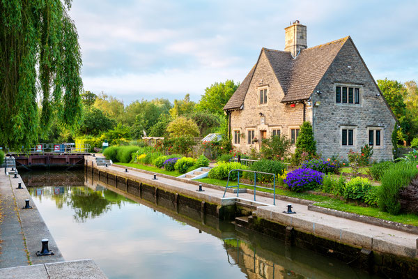 Iffley Lock on the River Thames. Oxford, Oxfordshire, England Copyright Andrei Nekrassov