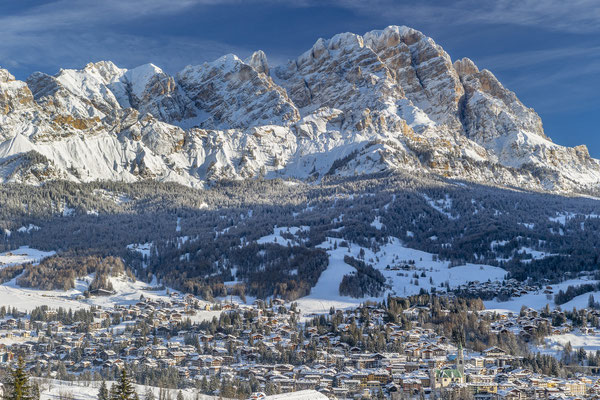 Cortina d'Ampezzo - European Best Ski Resorts - Copyright www.bandion.it
