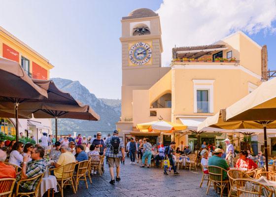 Capri Plaza Umberto 1 copyright Roman Babakin