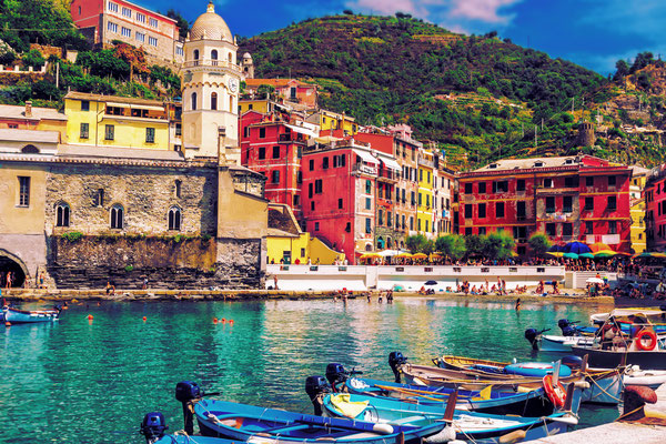 Cinque Terre - European Best Destinations - Harbour of Vernazza Coyright JeniFoto