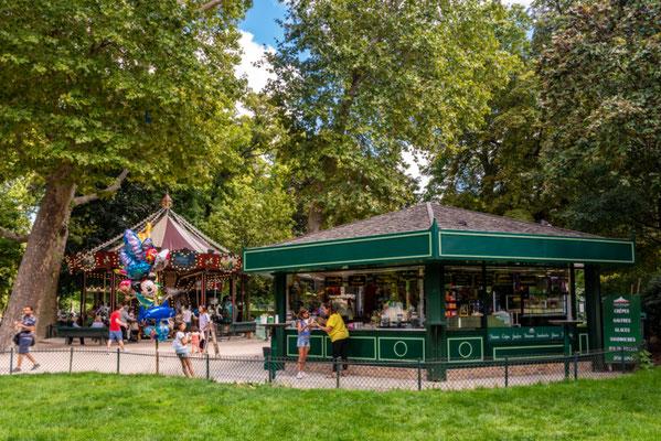 Paris Parc Monceau copyright Michael Mulkens