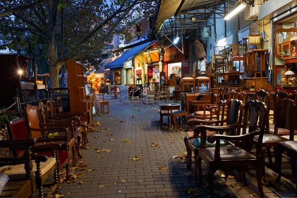 Athens antique shops © Milan Gonda / shutterstock.com