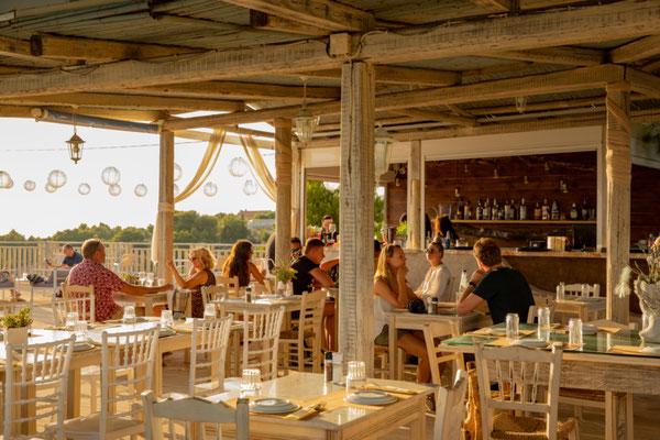 Sunset bar, Kefalonia island, Greece - Copyright LauraVl