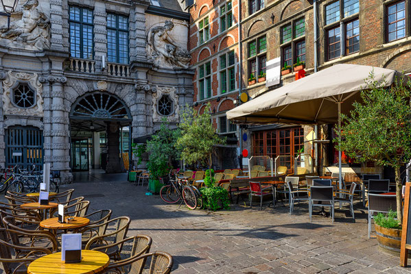 Ghent old streets copyright Catarina Belova