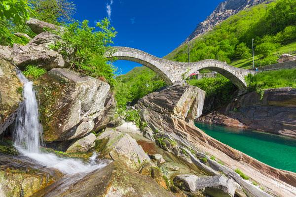 Double arch stone bridge at Ponte dei Salti, Lavertezzo, Verzascatal, Canton Tessin near Locarno - Copyright gevision