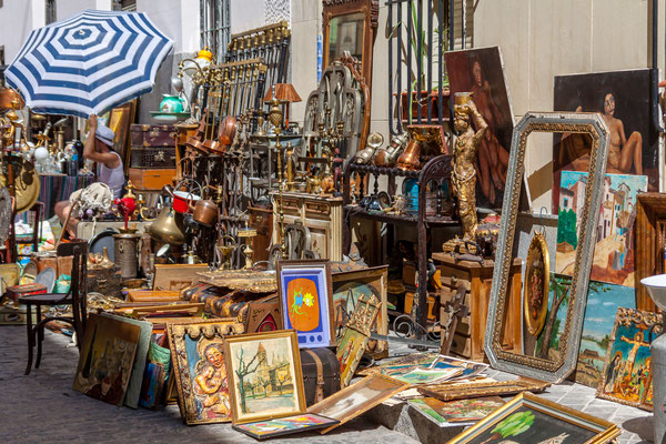 Madrid flea market by Pedro Rufo