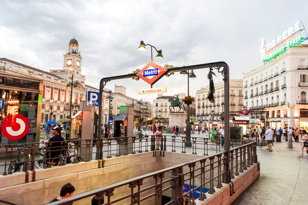 Puerta del Sol station, Madrid by Vlad Teodor
