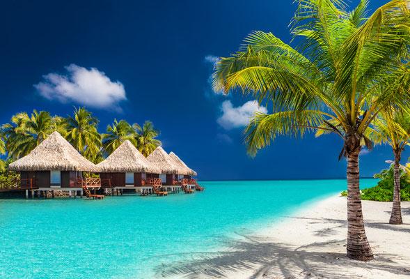Tahiti bungalows copyright Martin Valigursky