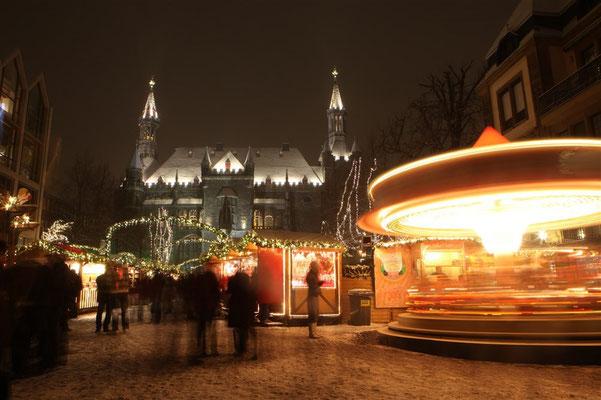 Weihnachtsmarkt Katschhof Rathaus (c) A. Steindl ats