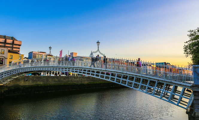 Ha'penny Bridge - Copyright Ireland.com
