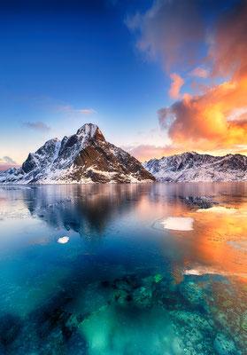 Lofoten Sunrise copyright Piotr Krzeslak