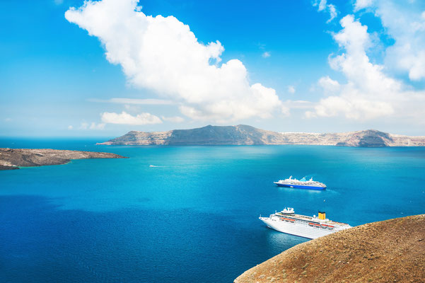 Cruiseship in Santorini Copyright Olga Gavrilova - Santorini European Best Destinations
