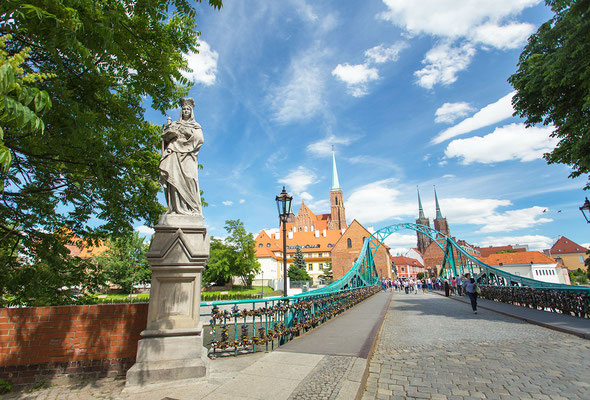 Tumski Bridge Wroclaw - Copyright VisitWroclaw.eu - Instagram User - European Best Destinations