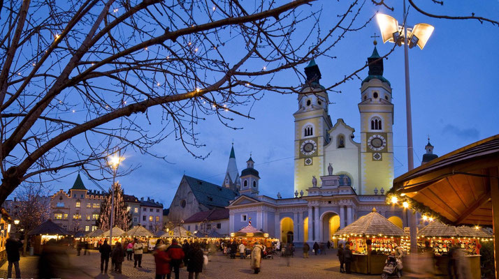 Brixen Christmas Market - Copyright Arnold Ritter