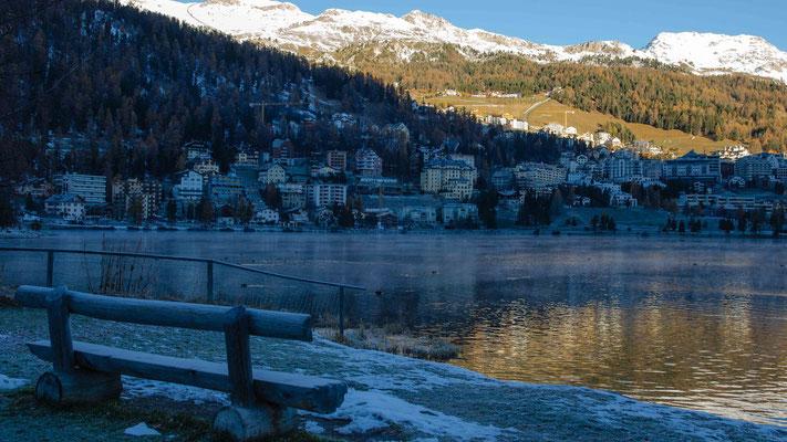St. Moritzersee am frühen Morgen