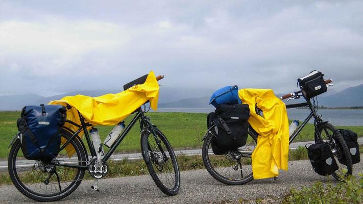 Der Regenschutz, oft in Gebrauch
