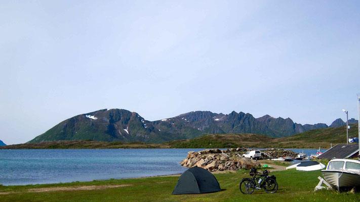 Ein Zeltplatz direkt am Fjord.