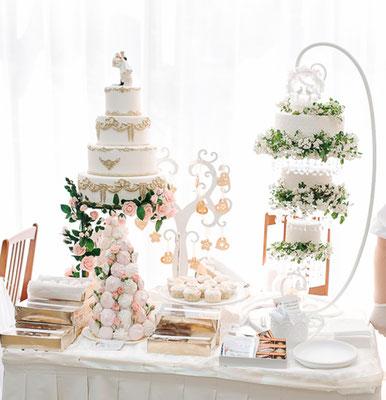 мой стол со свадебными тортами