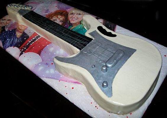 """Торт """"Гитара"""""""