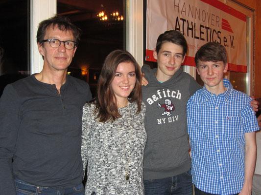 Unsere Erfolgreichsten: Svenja, Yannick und Maximilian - auf dem Bild fehlt Sonia, die ebenfalls eine starke Platzierung in der Deutschen Bestenliste hat