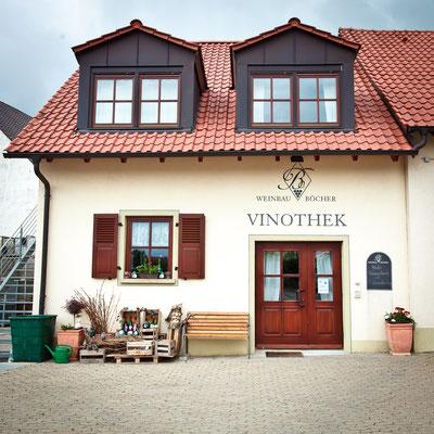 Außenansicht der Vinothek von Weinbau Böcher