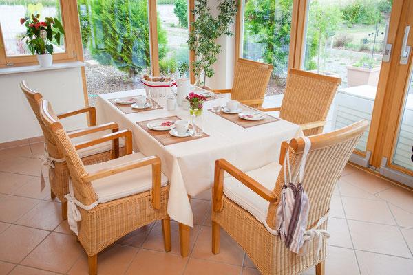 Frühstücks- und Aufenthaltsraum im Appartementhaus Weinbau Böcher
