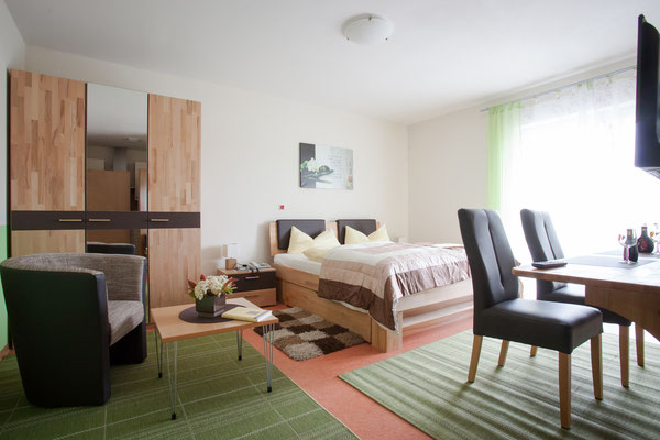 Gästezimmer im Appartementhaus Weinbau Böcher in Abtswind