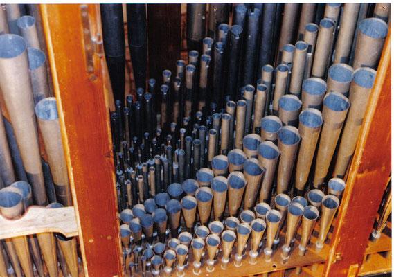 orgue de Criquebeuf-sur-Seine -L.Callinet 1838- batterie d'anches restaurée