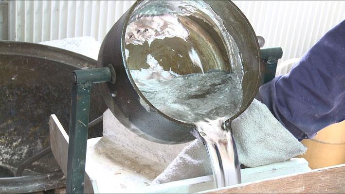 Etape 2 : coulée de l'étain
