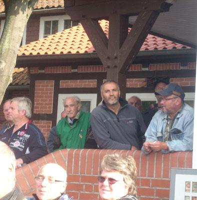 Zuschauer bei der Flugvorführung  der FVN Taubenschau 2013