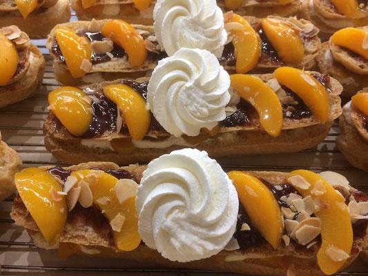 Eclairs pèches ganache fraise de la boulangerie pâtisserie PREISLER à Courcelles-Chaussy