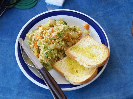 ... macht mit Getreide einen leckeren Salat