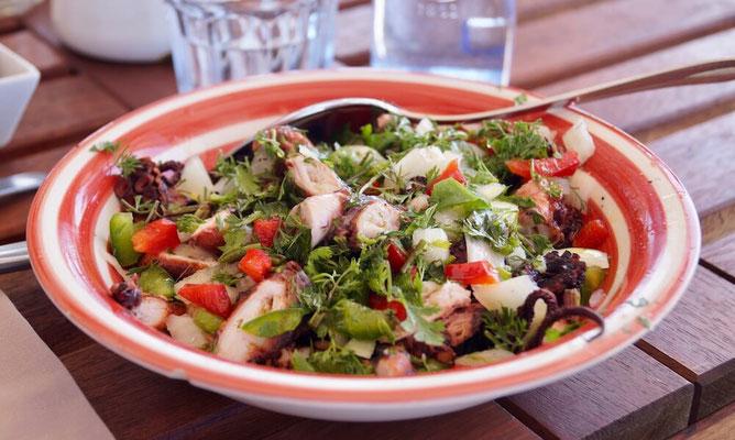 Restaurant Porto das Barcas: Tintenfisch-Salat - köstlich!