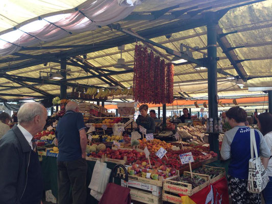 Der Rialto Markt